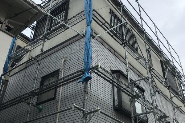 足場の組み立て工事